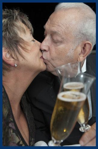 senior_couple325x490